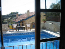 Viouni studio apartment in Cyprus with swimming pool - I deal holiday rental in a quiet authentic situation - the pool again